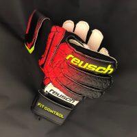 Reusch-FitControlRG-FireRed-01